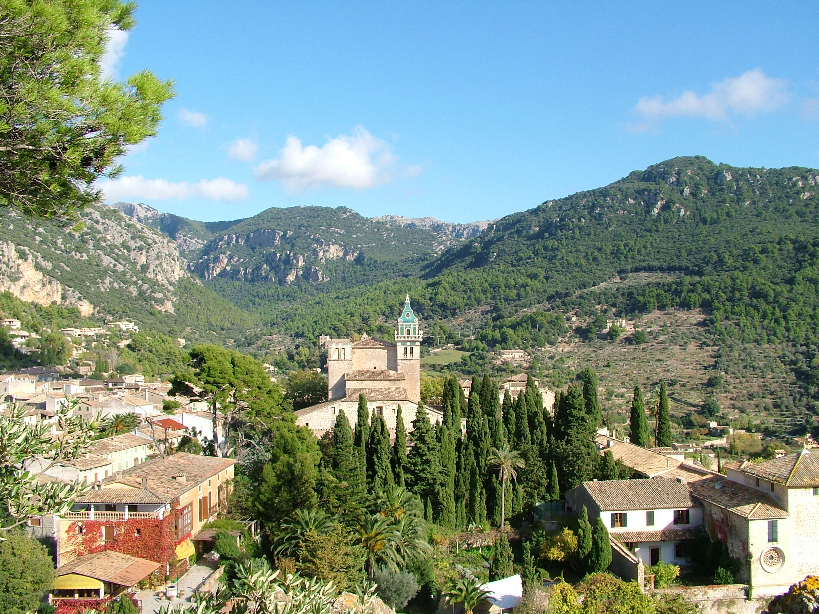 Vip valldemossa soller and palma for Valldemossa mallorca
